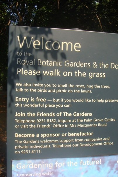 Placard at the entrence of Sydney's Royal Botanic Garden, Australia.