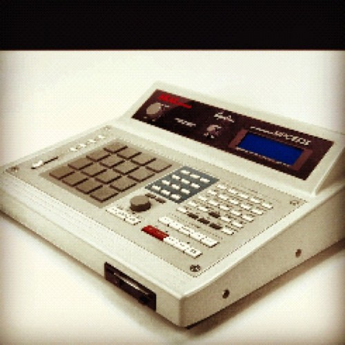 #dreammachine #mpc60 #RogerLinn #KingOfAkai #CoolerThanSteveJobs (Taken with Instagram)