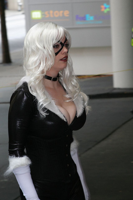 epicallyepicepicosity:  Blackcat - DragonCon 2007 _375 by Hueyatl on Flickr. Black Cat