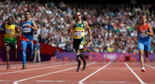 sandwichesandsourpatchkids:  Oscar Pistorius took second in his 400 meter heat. It was awesome watch him hold his own against able-bodied runners.