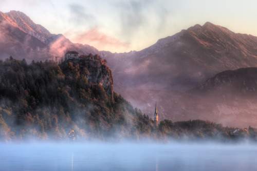 Sunrise at Lake Bled, Slovenia (via flickr)