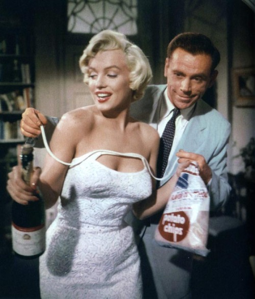 "Grab your potato chips and champagne #Marilynettes cause ""The Seven Year Itch"" is coming up next on @tcm!"