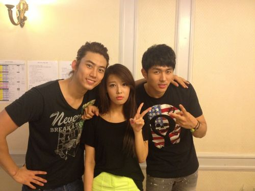 Black Team members of JYP Nation! Taec-Yubin-Seulong (w/o Fei)