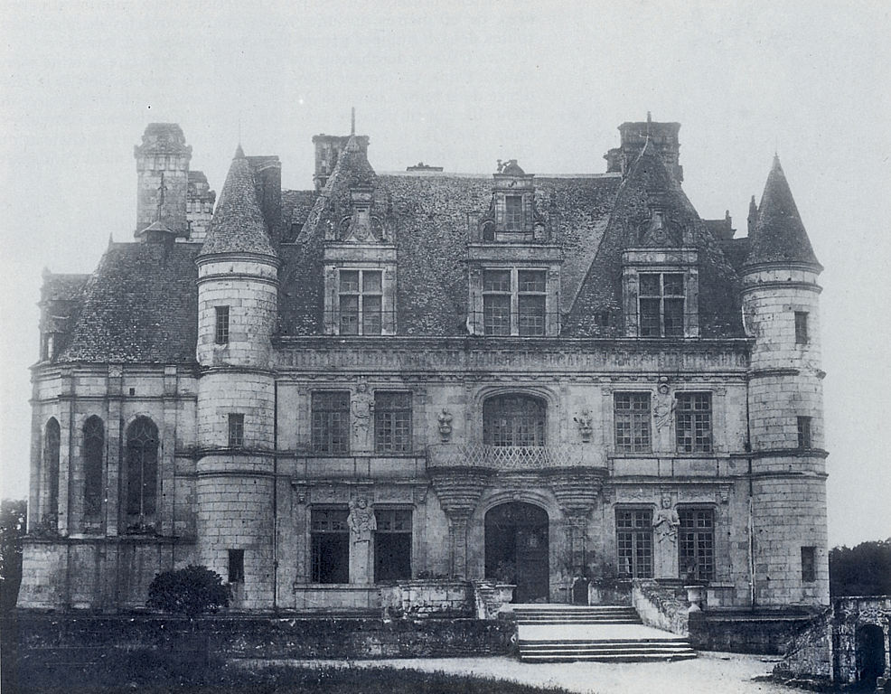 mirroir:  Northern facade of the château de Chenonceau, 1851, by Gustave Le Gray