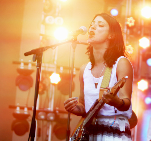 pitchfork:  Sharon Van Etten at Lollapalooza. Photo by Kirstie Shanley— more here.  It's always nice when the super cool waitress from your hip, indie coffee shop goes on to become indie famous.  Seriously, she used to make peanut butter and chocolate coffee drinks for me all the time at the Red Rose in Murfreesboro.