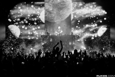 last week, when kaskade tore up bill graham in san francisco