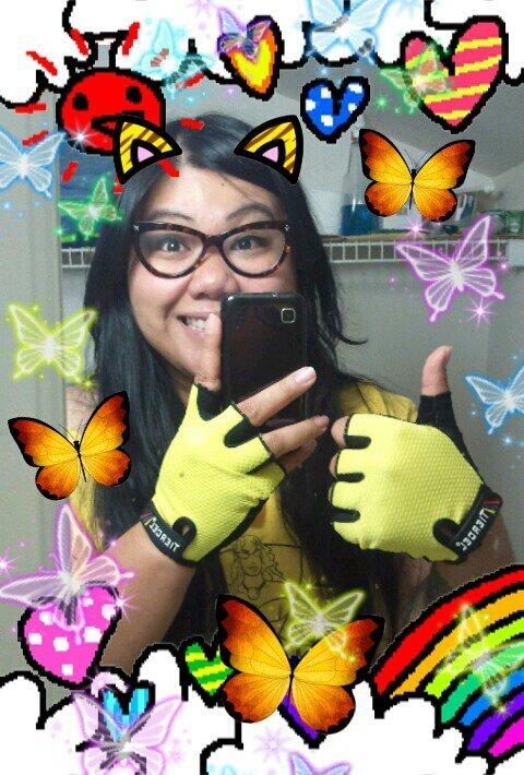 My new fingerless hench gloves arrived and I'm pretty stoked about it, as you can see.