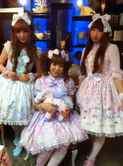 lolitahime:  hime-rina on Ameblo at the Angelic Pretty tea party