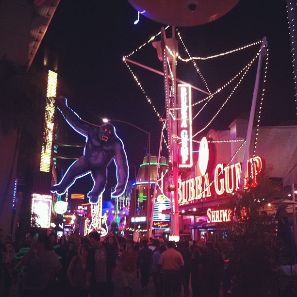 I'm such a tourist lol #CityWalk #Universal #NightLife #GoodLife  (Taken with Instagram at Universal CityWalk)