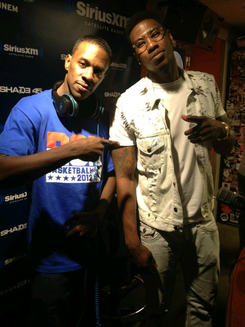 """'@djthoro: @djthoro Chilling with @i_am_iman shumpert from new york knicks! Up at shade 45 let's go! Knicks http://yfrog.com/kf8oozkj' tru"""