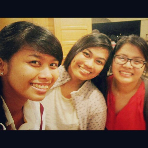 07.31.2012 <3 @alaynesanpedro @mushroomkaboom ;) #2012 #retreat #antipolo #mandy #ija #alayne #grouppic #friends #5AR-2 #Arkitektwo #college #love<3 #photoblog #memories #blog #event #favourite #braids #;) (Taken with Instagram)