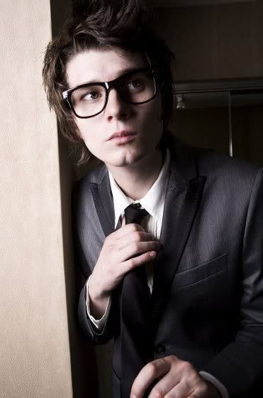 taintsandsinners:  Band members in glasses appreciation 1/50