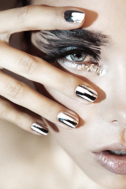 Аппаратный маникюр - это лучший выбор тех, кто не доволен состоянием ногтей (неровная поверхность, расслоение...