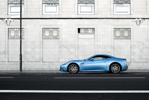 A taste of summer Starring: Ferrari California (by StephenHall)