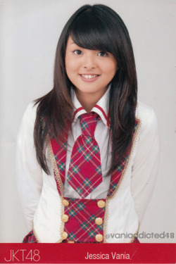 @jcvanJKT48's Photo in Red Seifuku.
