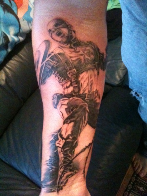 fuckyeahtattoos:  This is my Captain America. The start of my Super Hero sleeve! Done by Matt Jordan at Blue Lotus Tattoos in Albany, New Zealand. I love it! Can't wait for the next session!