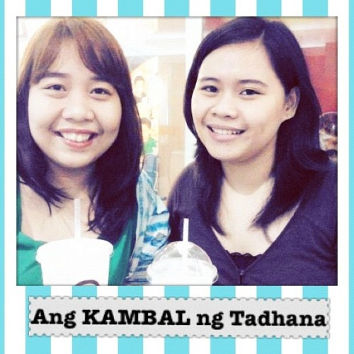 Ang kambal ng tadhana. Lol. Me & @carmelmolina hehe.. #friends #friendship #gongcha #twins #sisters #toinx (Taken with Instagram at Gong Cha)