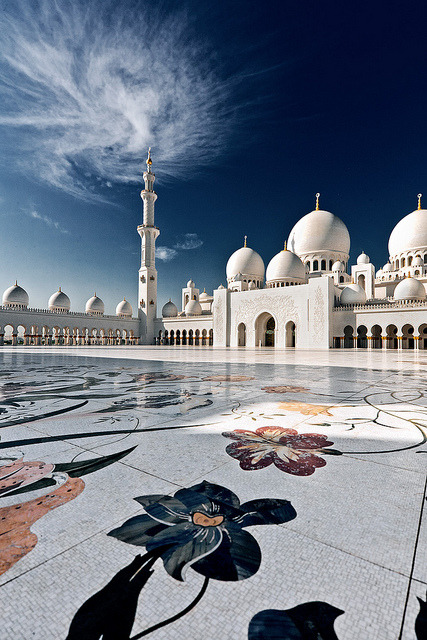 fallenangel4:  Sheikh Zayed Grand Mosque by www.garymcgovern.net on Flickr.