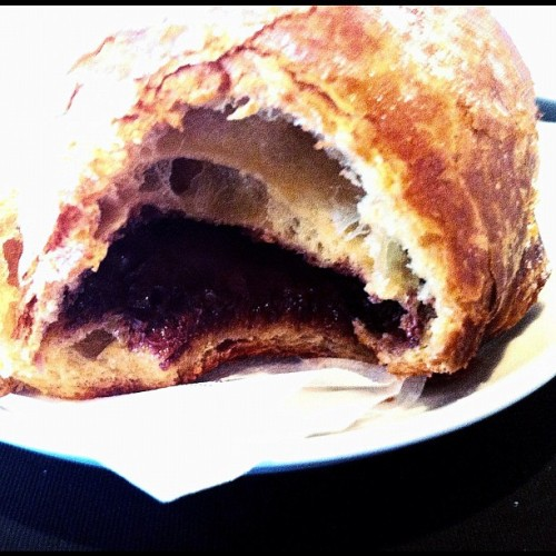 Brioche di Nutella. @Rome. #italy #rome #food #chocolate #pastry #sweet #review #bread #Nutella #breakfast (Taken with Instagram)
