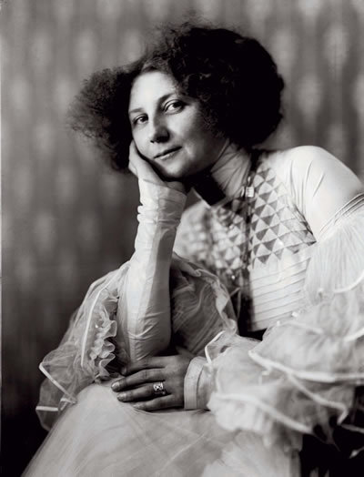 Emilie Flöge, Gustav Klimt's model, muse, and companion for years.   (via)