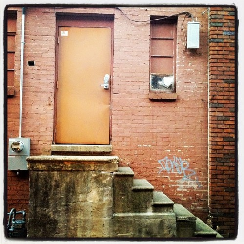 The back alley ways of Florence. #shoals  (Taken with Instagram)