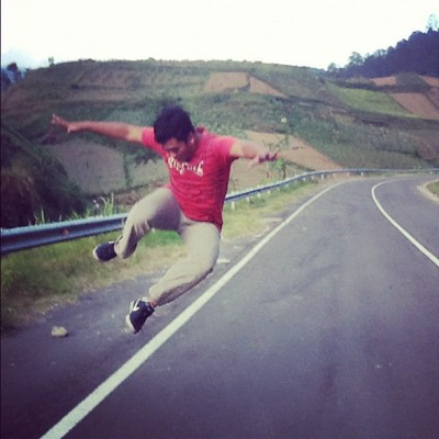Jum(ping) #me #myself #tawangmangu #photooftheday #jump #instago #instagood #indonesia #amaro #nike (Taken with Instagram)