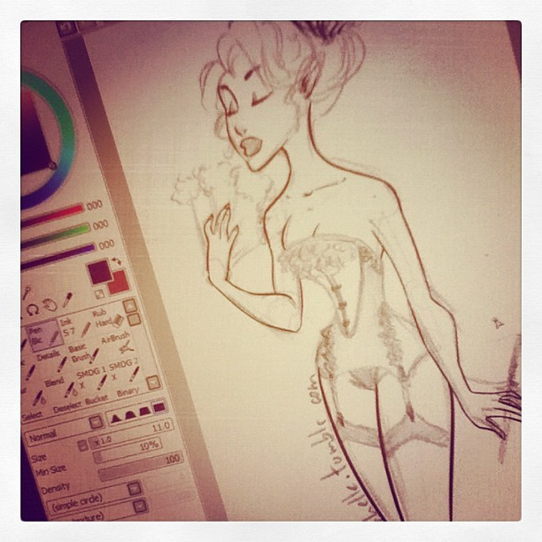 m-ichelle:  Trying to finish something, for a change :D (Publicado com o Instagram)    ooooh, what are all those lovely brushes?!