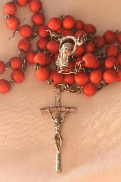 love-redefined:  Why pray the rosary?