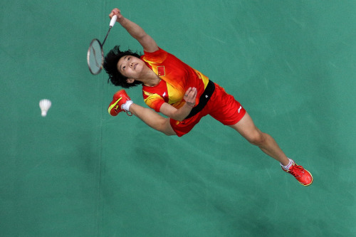 olympics:  Xin Wang of China competes against compatriot Xuerui Li of China in the Women's Singles Badminton Semi-Final.  Photo by Chris McGrath/Getty Images