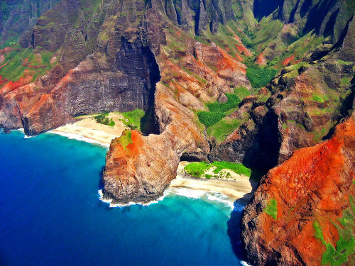 Na Pali's Hidden Beaches of Honopu (by Walt K)