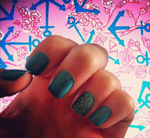 #glitter #nails #mermaidblue #sparkles #anchors