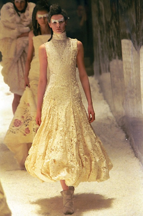 alexander mcqueen autumn/winter 1999-2000
