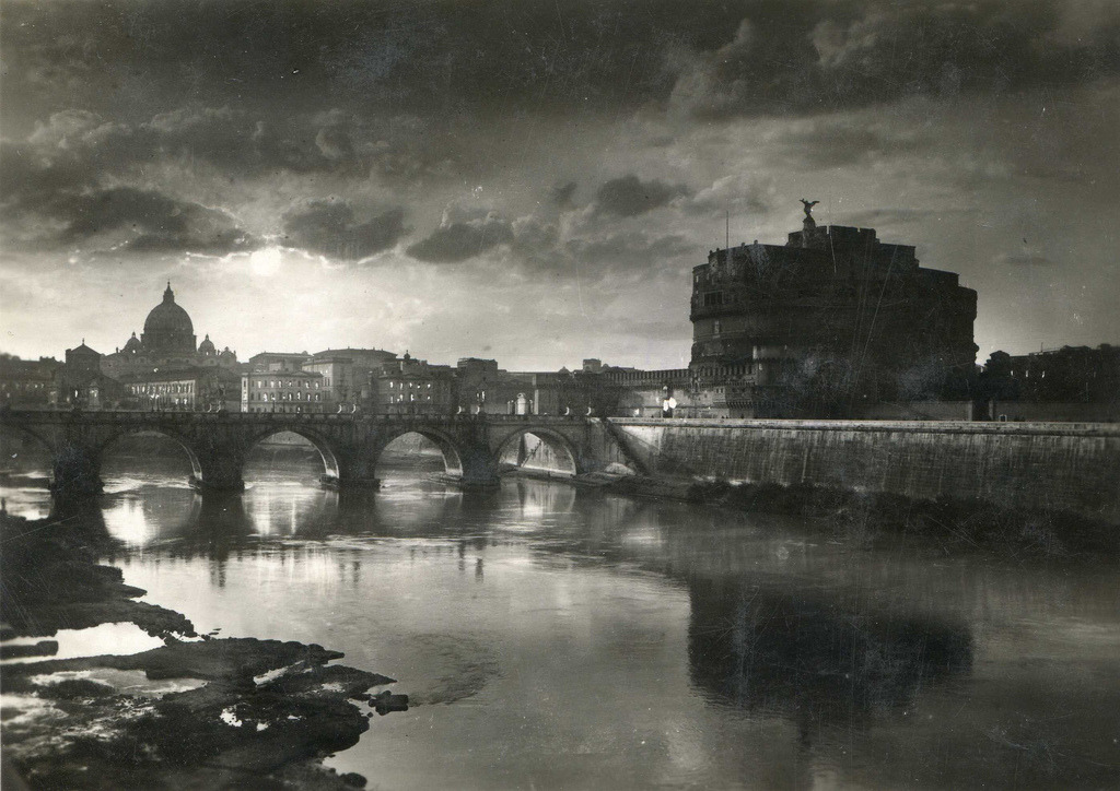 elinka:  1940, Roma, Italy. Postcard By elinor04 mostly off