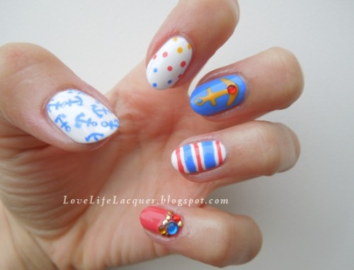 lovelifelacquer:  Nautical nails! Read more here!