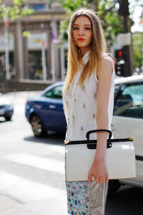 fashion-streetstyle:  ALL THE PRETTY BIRDS: Elise // Haute Couture FW12, July 2012