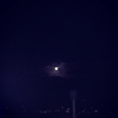 Moon (Publicado com o Instagram)