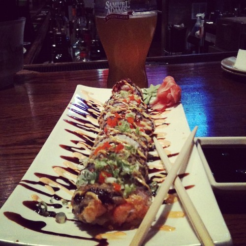 #sushi#nikki's#super#crunch#roll (Taken with Instagram)