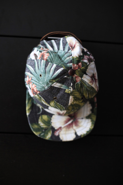 tuckedstyle:  Tropical Flower Alinko Hat by Ale et Ange.