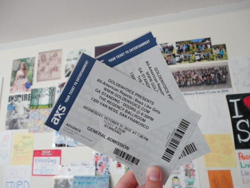 Hehe got my Boys Like Girls/ All American Rejects/ Parachute concert tickets today !(: <3