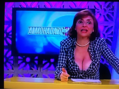My dad watches Mexican news. He doesn't speak Spanish. - Imgur