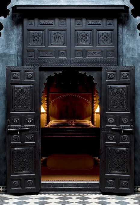 waitingforrelease:  missingsisterstill:  bedroom-black-moroccan-interior  I LOVE this. I'd never want to leave.  this is just so beautiful
