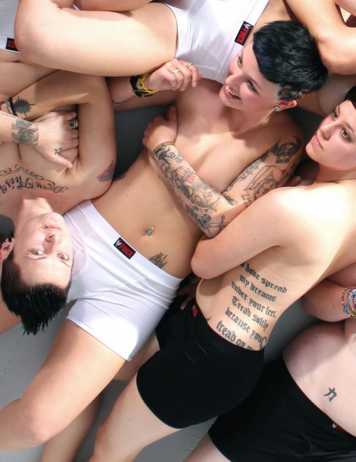 mmm a pile of sexy butch homos. Fuck jumping in a pool, I wanna jump into them ;) #TeamLesbian #teamBisexual