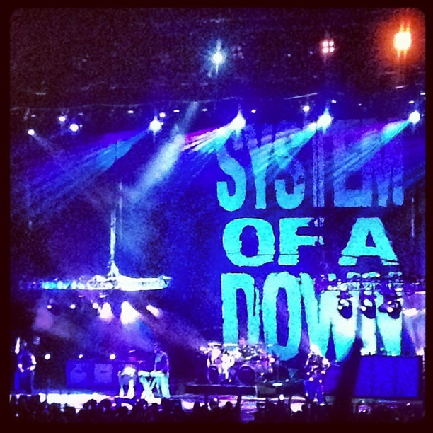 @amhavoc Screaming so hard at System of a Down concert😝😍😭😱 #soad #systemofadown #rock #summer #amazing #music (Taken with Instagram at Nikon at Jones Beach Theater)