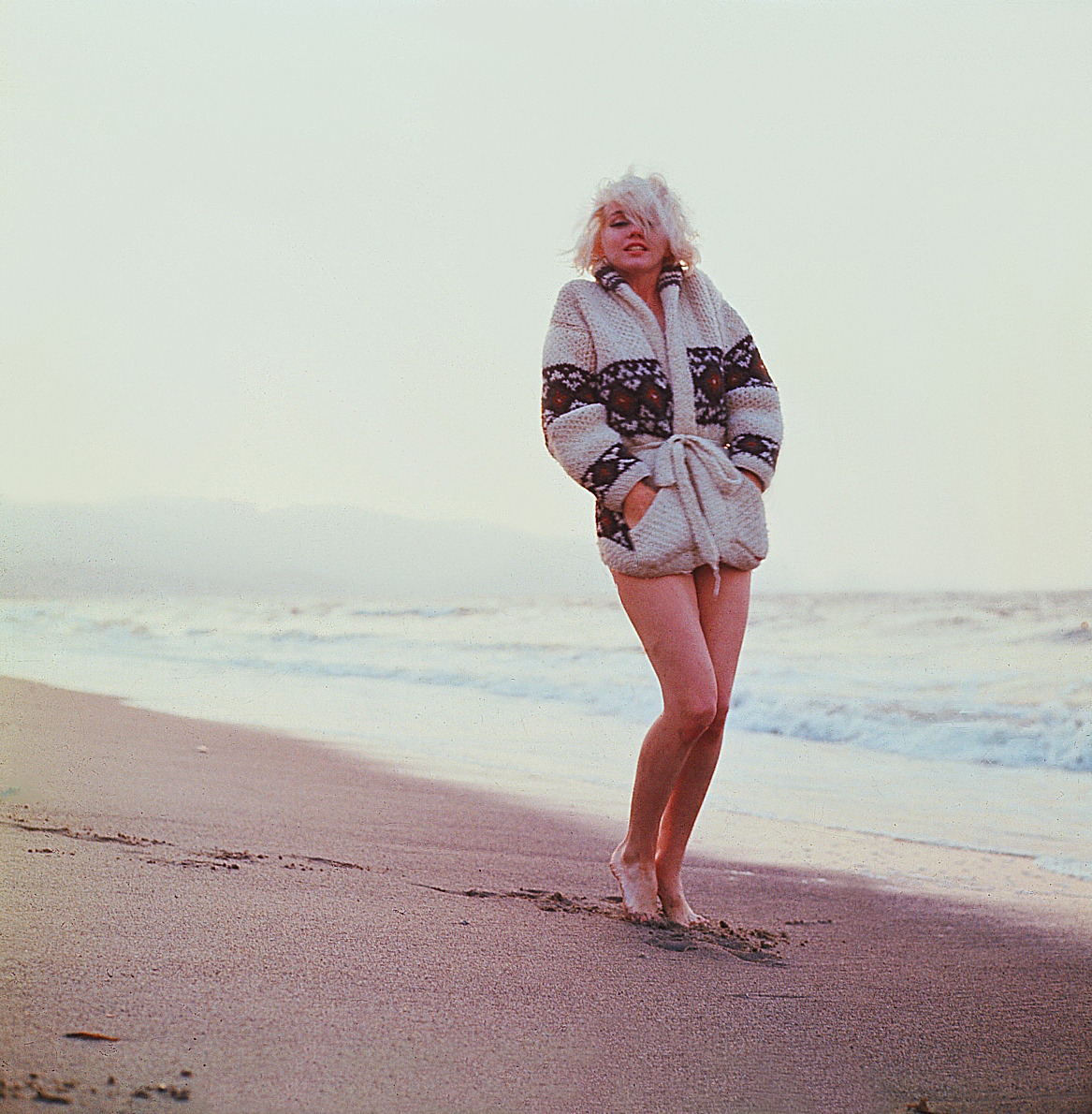 suicideblonde:  Marilyn Monroe photographed by George Barris in 1962