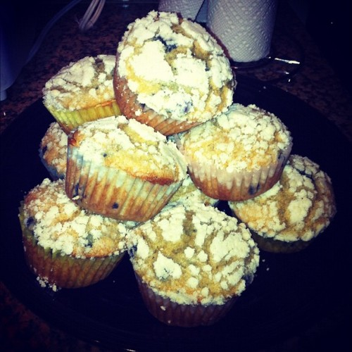 mandyjirouxbg5:  Blueberry muffins I made! Yum (Taken with Instagram)
