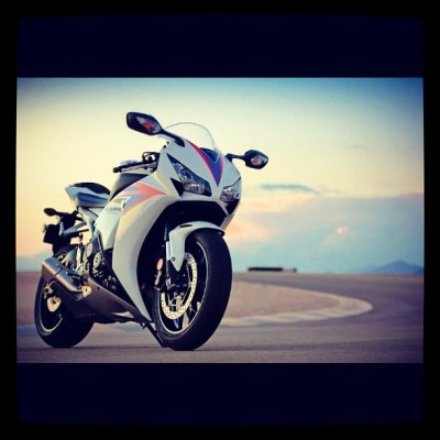 My brother #cbr #cbr1000 #2012 #photooftheday #superbike #honda #circuit #xpro #instago #instagood #instapro #motorcycle (Taken with Instagram)