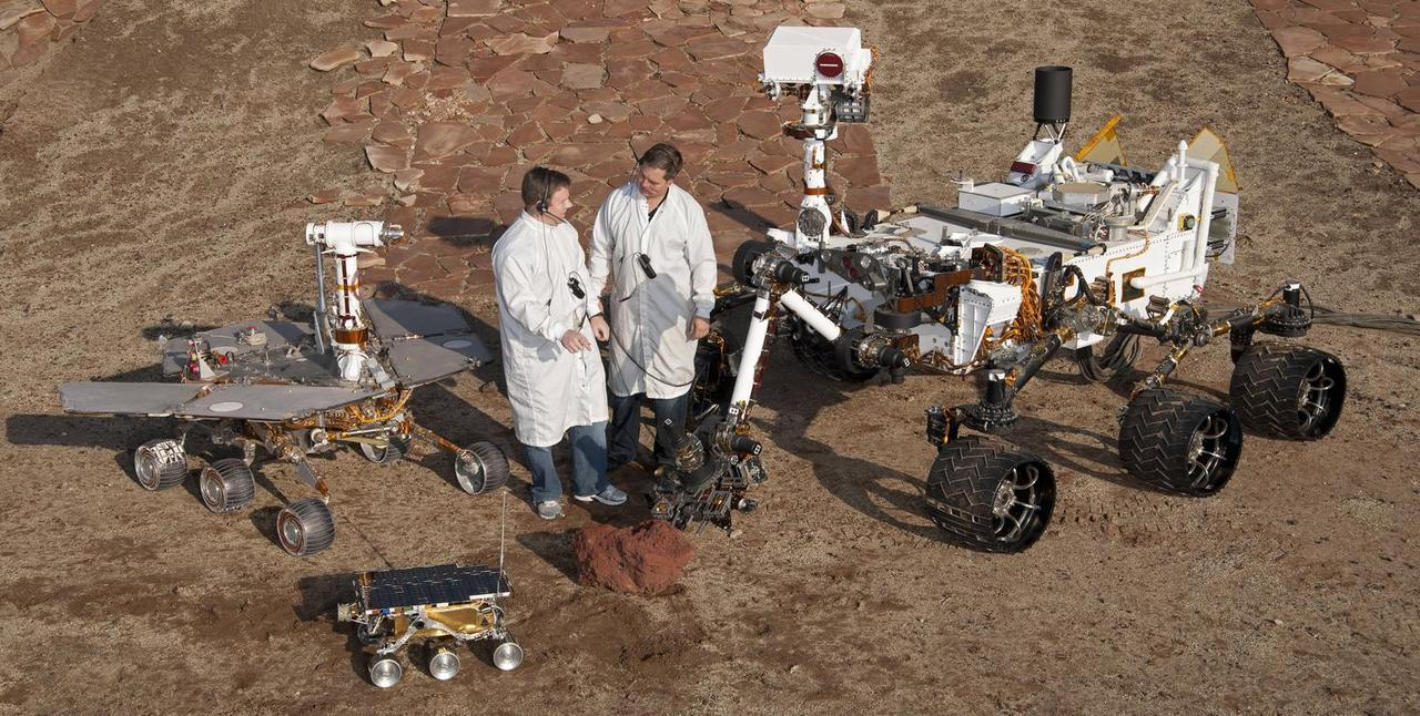 Size Comparison Between Curiosity and the Previous Mars Rovers Curiosity is a BEAST.