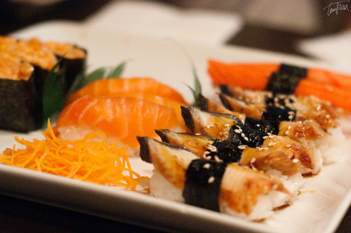 ileftmyheartintokyo:  Sushi by TMAB2003 on Flickr.