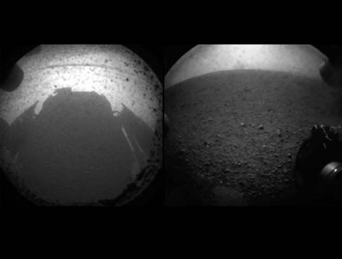 thedailyfeed:  Touchdown confirmed! NASA's Curiosity rover is safe on Mars — and here are the first pictures it sent back.