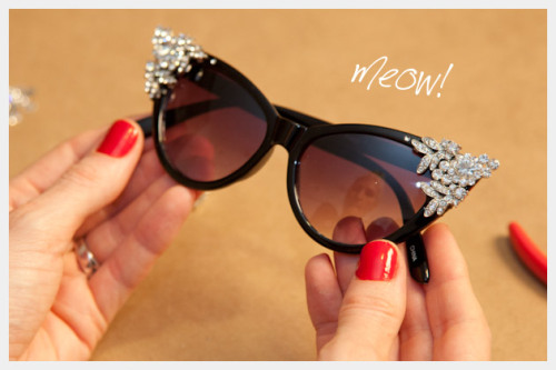 kraftykristin:  I'll take some of those cute sunglasses! (via DIY Rhinestone Sunglasses)  Super adorable and one of a kind!
